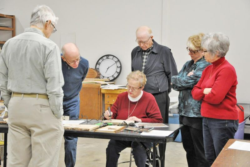 Art guild members learn wood burning