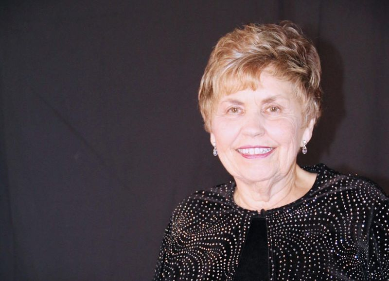 Arts center honors Dixie Hayes Heck with first award
