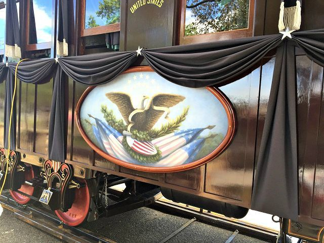Lincoln Funeral Train Car Brings Out History The Bargain Hunter