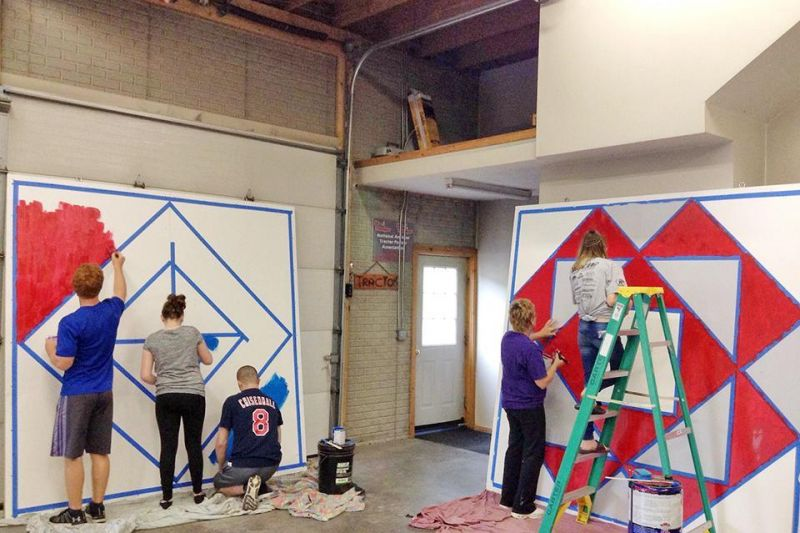 Local 4-H club paints quilt squares for area barns