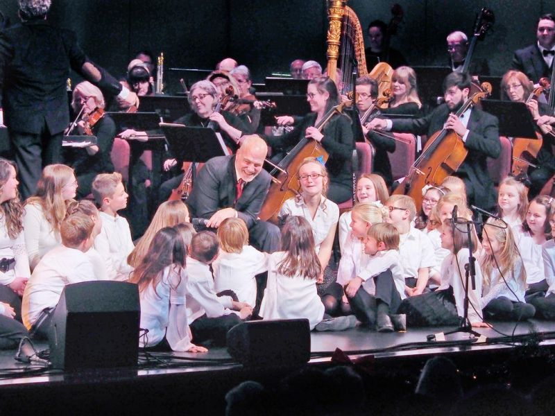 Philharmonic and Franc D'Ambrosio to reprise hit holiday concert