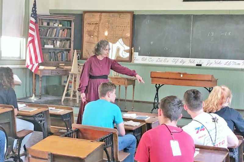 Students learn from the past at Wayne County Historical Society