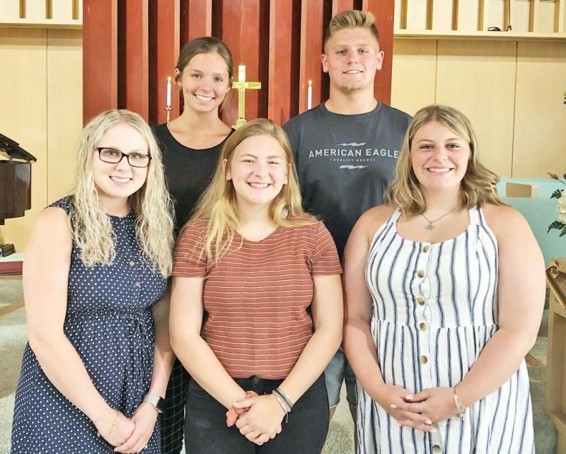 Students receive scholarships